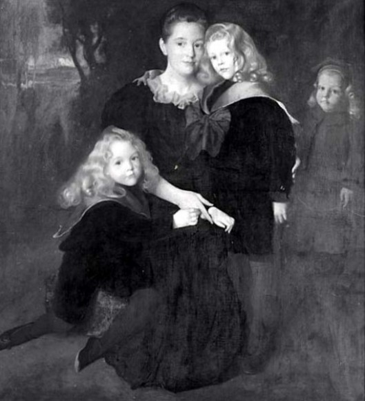 Mrs. Frank Bulkeley Smith  (Nancy Earle) And  Children